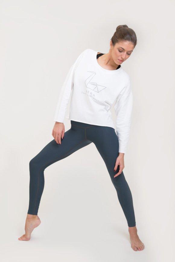 Felpa yoga abbigliamento di cotone bianco immagine intera