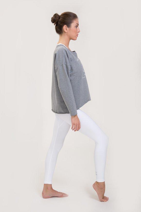 Felpa abbigliamento yoga grigio melange di cotone con logo swan atma immagine intera laterale