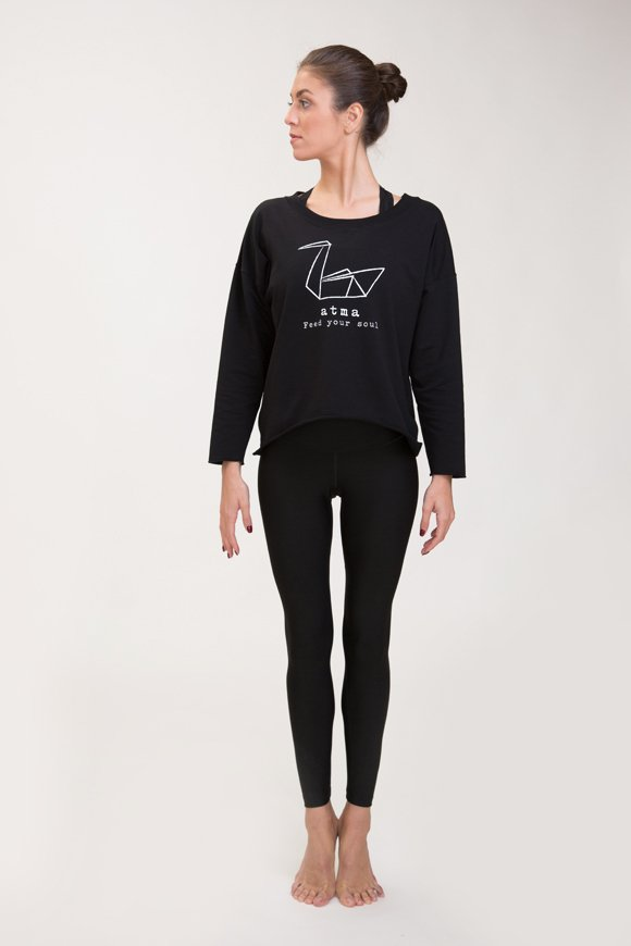 Abbigliamento yoga felpa di cotone nero con logo swan atma immagine intera