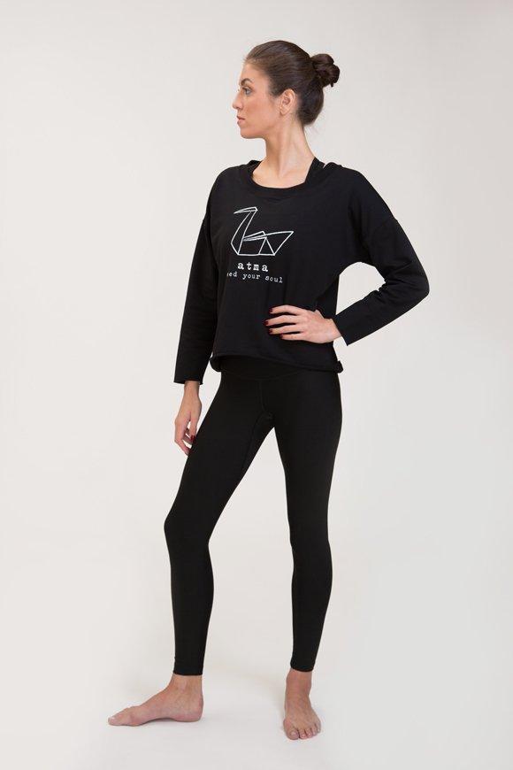 Abbigliamento yoga felpa di cotone nero con logo swan atma feed your soul