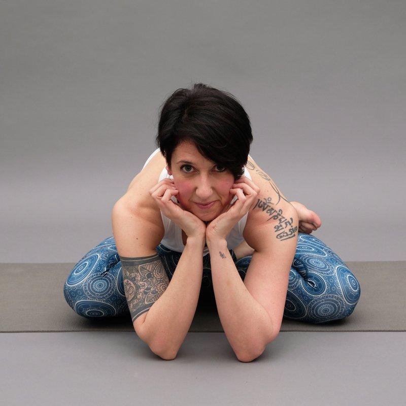 elisa-atma-yoga-2 | ATMA Feed your soul