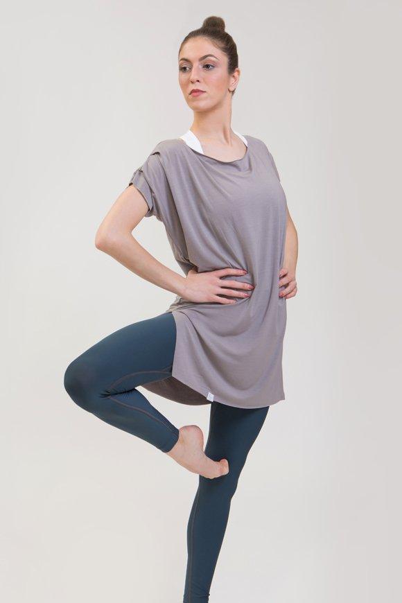 T-shirt sari abbigliamento yoga donna made in Italy colore pietra