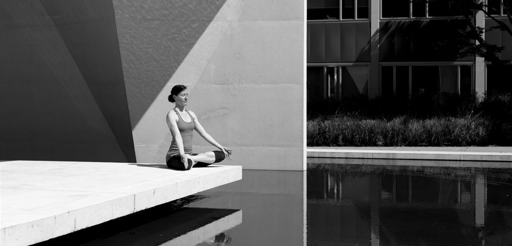 eccoti spiegati i sette benefici dello yoga