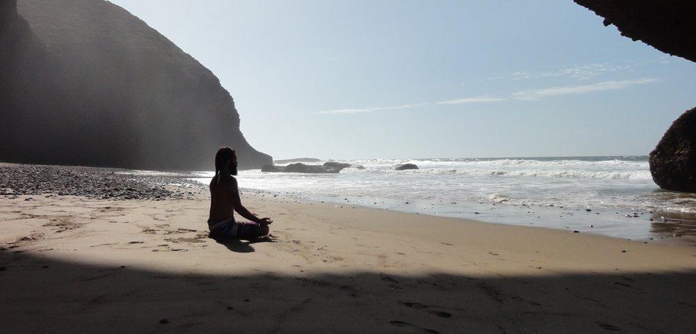 consigli e metodi per combattere lo stress con lo yoga
