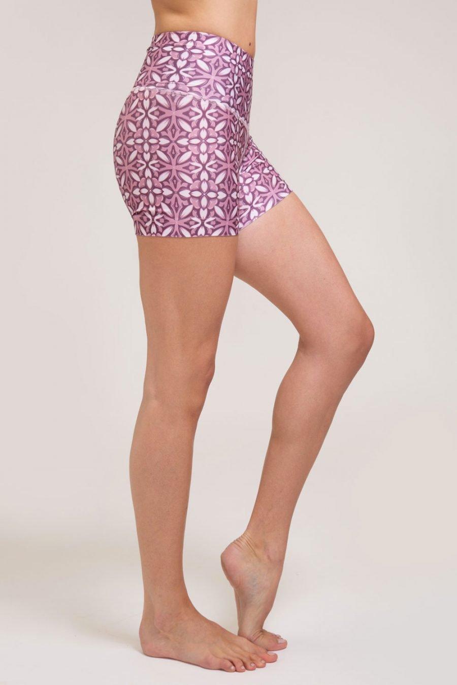 short mosaico abbigliamento yoga donna made in Italy colore rosa