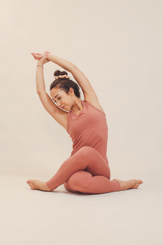 abbigliamento yoga consapevole made in italy atma feed your soul cotton canotta mantra leggings vira colore blush