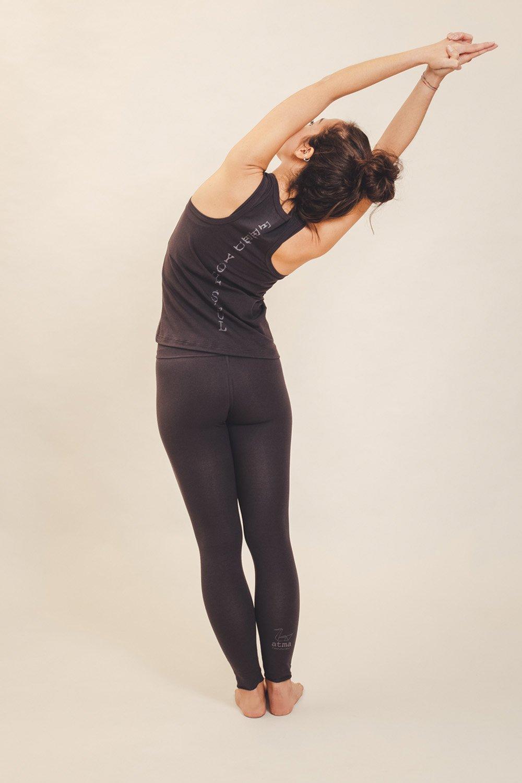 abbigliamento yoga consapevole made in italy atma feed your soul cotton canotta mantra leggings vira colore melanzana